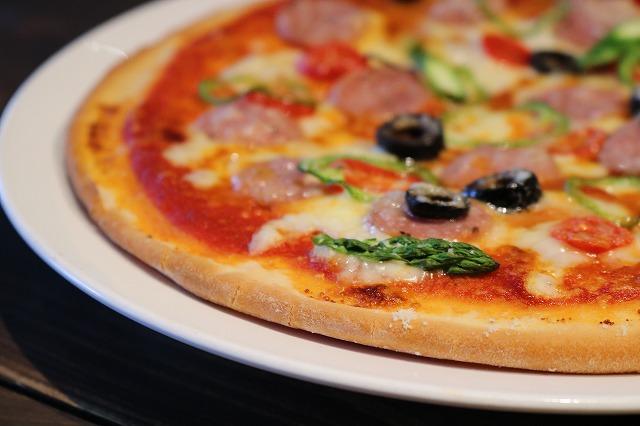 ソーセージと糸島野菜のピザ